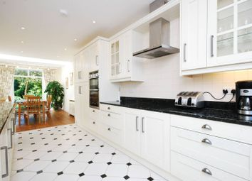 4 bed property to rent in Grove Park Road, Grove Park, London W4