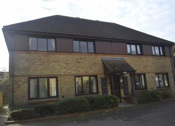 Thumbnail 1 bed flat to rent in Oakwood Grove, Basildon, Essex