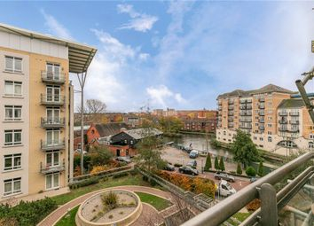 The Meridian, Kenavon Drive, Reading RG1. 2 bed flat for sale