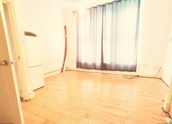 Thumbnail 2 bed flat to rent in Penge Road, London