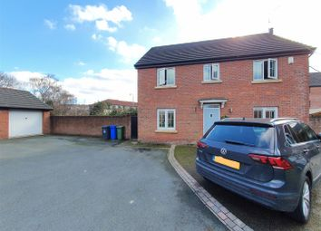 Thumbnail 4 bed detached house for sale in Kestrel Close, Hyde