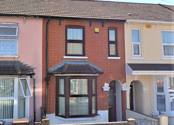 3 bed terraced house to rent in Iddesleigh Road, Queens Park, Bedford MK40