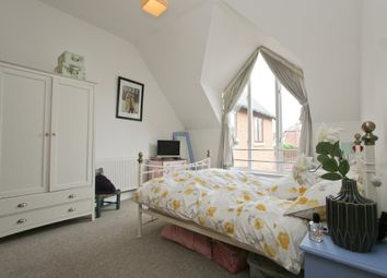 Thumbnail 1 bed flat to rent in College Street, Petersfield