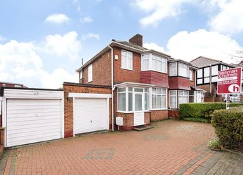 3 bed property for sale in Springfield Gardens, London NW9