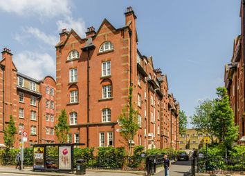 Thumbnail 3 bed flat to rent in Beaufort Street, Chelsea