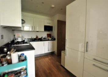 Thumbnail 1 bed flat to rent in 137 Downham Road, Islington