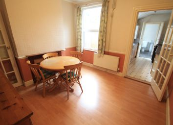 2 bed property to rent in Cambridge Street, Luton LU1