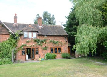 Thumbnail 2 bed cottage to rent in Warren House Road, Wokingham