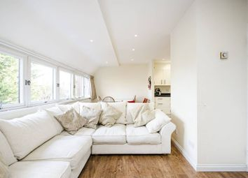 2 bed flat to rent in Chandos Way, Hampstead, London NW11