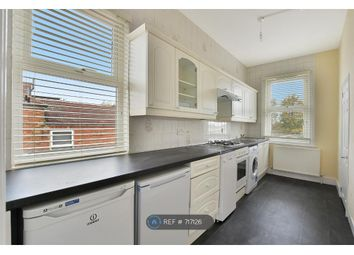 3 bed maisonette to rent in Beaconsfield Road, London N11