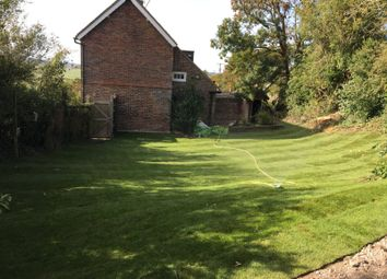 4 Glyndeside, New Road, Ringmer, East Sussex BN8. 2 bed semi-detached house