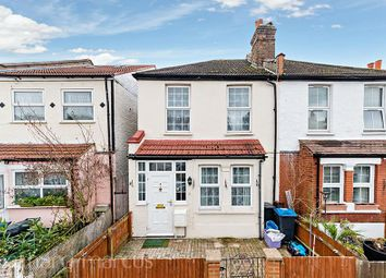 4 bed property to rent in Lyveden Road, Colliers Wood, London SW17