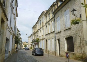 Thumbnail Town house for sale in 65 Rue Armand Caduc, 33190 La Réole, France