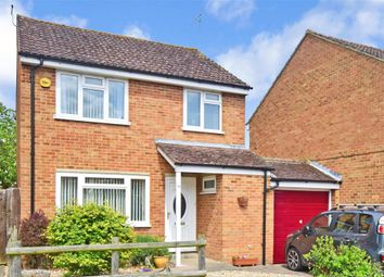 Thumbnail 3 bed detached house for sale in Bakehouse Road, Horley, Surrey
