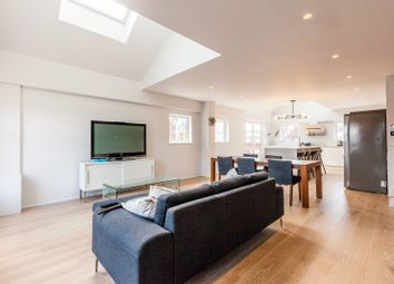 Thumbnail 2 bed flat to rent in City Pavillions, Shoreditch