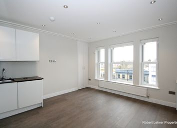 Thumbnail 3 bed flat to rent in Holloway Road, Upper Holloway