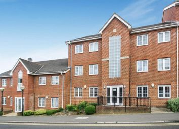 Thumbnail 2 bed flat to rent in Hamilton Road, High Wycombe