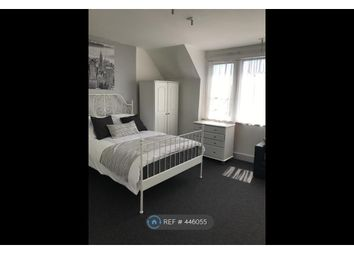Room to rent in Gordon Road, Ealing W13