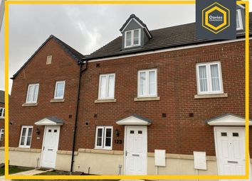 Thumbnail 3 bed town house to rent in Stryd Bennett, Llanelli
