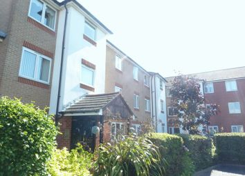 Thumbnail 2 bedroom flat for sale in Oakleigh Close, Swanley