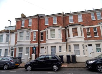 2 bed flat to rent in Ceylon Place, Eastbourne BN22