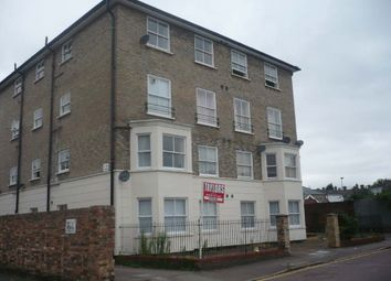 Thumbnail 1 bed flat to rent in The Avenue, Bedford