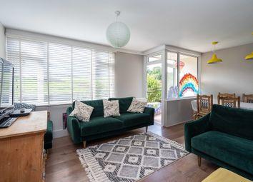 Hampstead Road, Dorking RH4. 3 bed maisonette