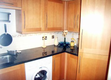 Thumbnail 3 bedroom flat to rent in Alencon Link, Basingstoke