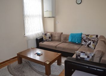 2 bed flat to rent in Borthwick Mews, London E15