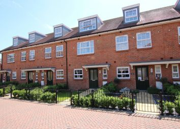 Thumbnail 4 bed property to rent in Kings Mews, Worthing