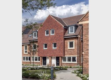 4 bed terraced house for sale in Broadwater Gardens, London BR6