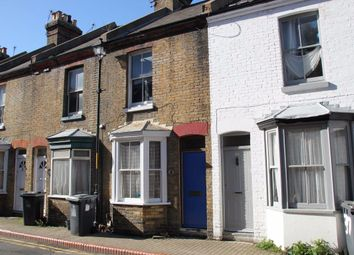 3 bed shared accommodation to rent in St. Peters Grove, Canterbury CT1