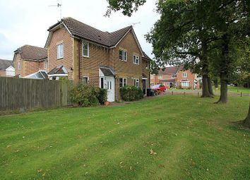 Thumbnail 1 bed property to rent in Alberta Drive, Smallfield, Horley