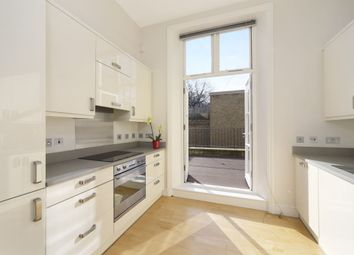 Thumbnail 3 bedroom flat to rent in Kings Road, London