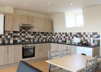 Thumbnail 2 bed flat to rent in Offord Road, London
