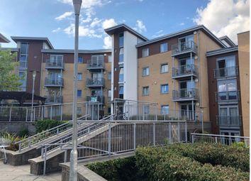 Thumbnail 2 bed flat for sale in Kelvin Gate, Bracknell