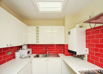 Thumbnail 3 bed flat to rent in Stockwell Road, Brixton