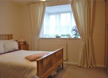 Thumbnail 1 bed flat to rent in Gladbeck Way, Enfield, Middlesex