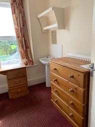East Street, Crewkerne TA18. Room to rent