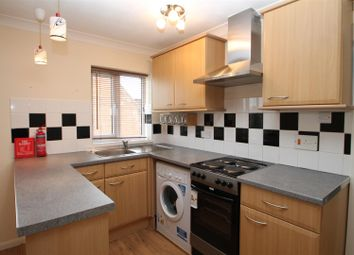 Thumbnail 1 bedroom flat to rent in Chiltern Avenue, High Wycombe