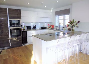 Thumbnail 3 bedroom flat to rent in Leicester Road, London