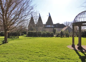 Broadwater Road, West Malling, Kent ME19. 4 bed detached house for sale