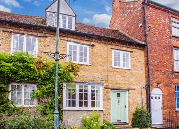 Thumbnail 3 bed cottage to rent in Cornwall Place, High Street, Buckingham