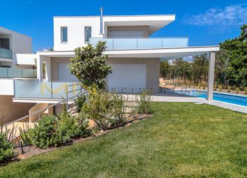 Thumbnail 4 bed link-detached house for sale in 2, 7 Km From The Beach And Golf Course, Portugal