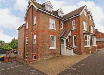 Thumbnail 1 bed flat to rent in High Street, Billingshurst