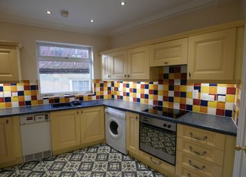 Thumbnail 2 bed flat to rent in Market Place, Howden, Goole