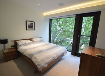 Thumbnail 1 bed flat for sale in Roman House, London