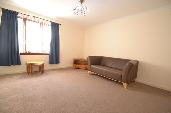 Thumbnail 2 bed flat to rent in South Elixa Place, Edinburgh