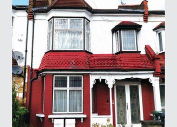 Thumbnail 2 bed flat for sale in Kelvin Avenue, London
