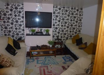 Thumbnail 5 bed terraced house to rent in Wickford Street, Bethnal Green/Stepney Green